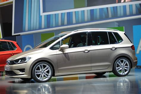 New Vw Golf Plus Revealed Auto Express