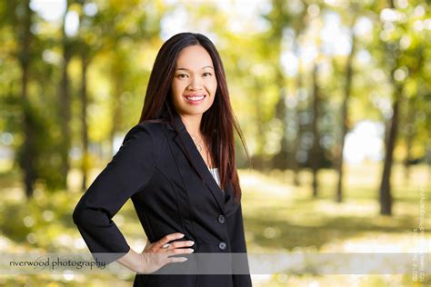 outdoor business portraits    riverwood