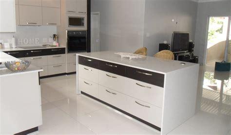 kitchen cabinets akron ohio open black kitchen akron cabinets durban white golden 5886