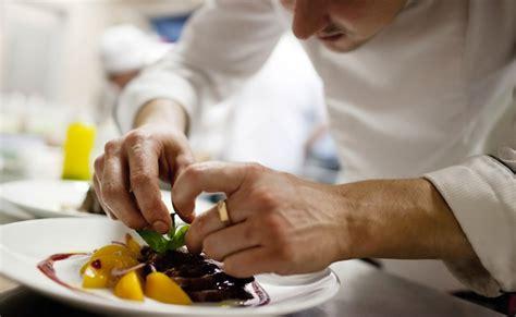offre d emploi chef de cuisine la assiette lève 1 3 million d euros et met l europe