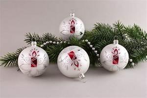 Weihnachtskugeln Weiß Silber : weihnachtskugeln wei matt rote kerze christbaumkugeln christbaumschmuck und weihnachtskugeln ~ Sanjose-hotels-ca.com Haus und Dekorationen