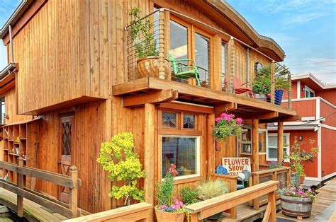 Houseboats For Sale Seattle Area by Seattle Houseboat Houseboats No Vessels And Barges