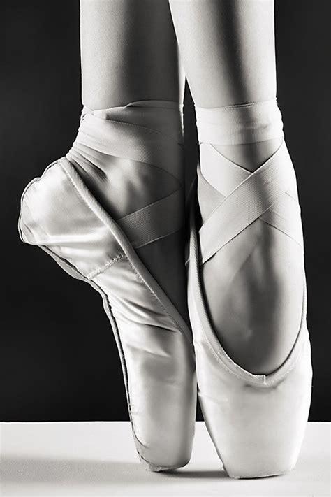 chambre noir photographie pointes de danseuse tableau déco danse classique