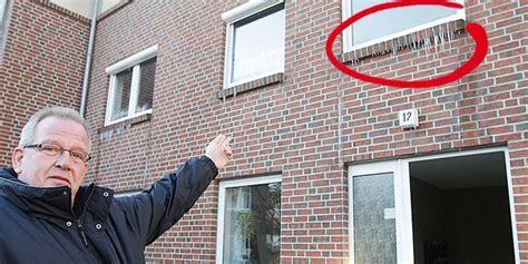Wasser An Fenster by Wolfsburg Vorsfelde Heizungsrohr Geplatzt Wohnung Unter