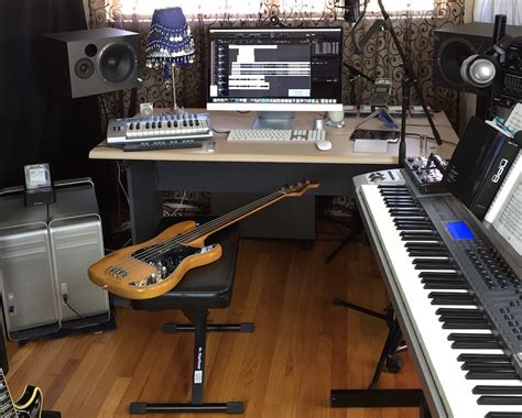 Home Recording Studio : A Pro Home Recording Studio