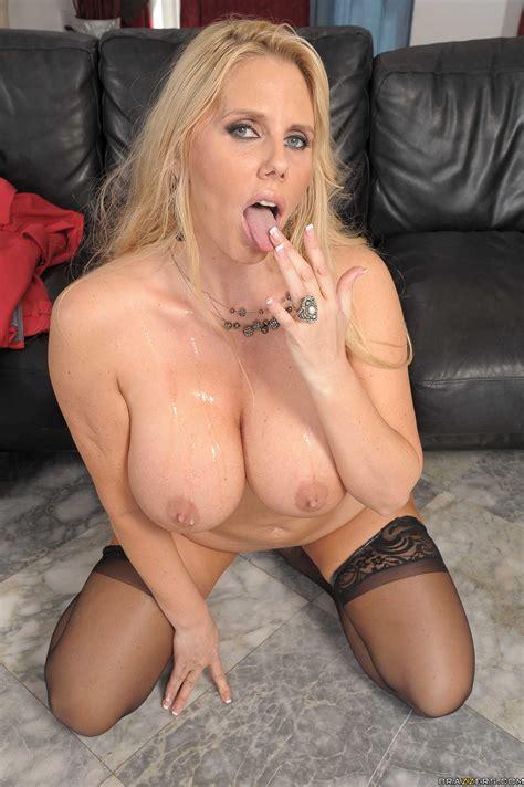 voluptuous blonde woman fucked her new lover photos karen fisher ramon milf fox