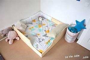 Lit Enfant Sol : lit au sol pour b b 2 nouvelle version la vie jolie julie blog de maman b b enfant ~ Nature-et-papiers.com Idées de Décoration