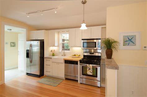 apartment kitchens ideas small apartment kitchen design