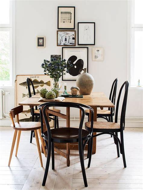 Holztisch Mit Stühlen by Sch 246 Ner Essbereich Mit Gro 223 Em Holztisch Verschiedenen