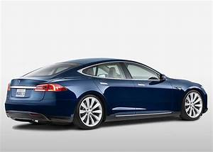 Tesla Model S Driver Stopped At Gunpoint Over Kidnapping Fears