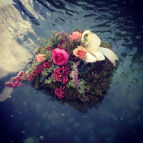 floating flower arrangement 1000 images about pomp and bloom on pinterest photographs centerpieces and bouquets