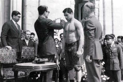 sculpture  legendary iranian wrestler jahan pahlavan