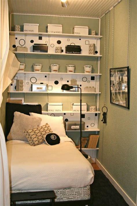 small bedroom organization    organized