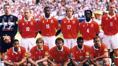 De derde achtste finale van het ek voetbal vindt plaats in boedapest tussen nederland en tsjechië. EK 1996: Engeland wint met 4-1 van Nederland | NOS