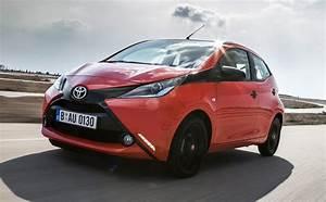 Essai Toyota Aygo : essai toyota aygo 1 0 x cite 2014 l 39 automobile magazine ~ Medecine-chirurgie-esthetiques.com Avis de Voitures