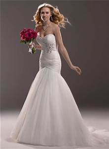 Fit and flare mermaid sweetheart tulle wedding dress with for Fit and flare tulle wedding dress