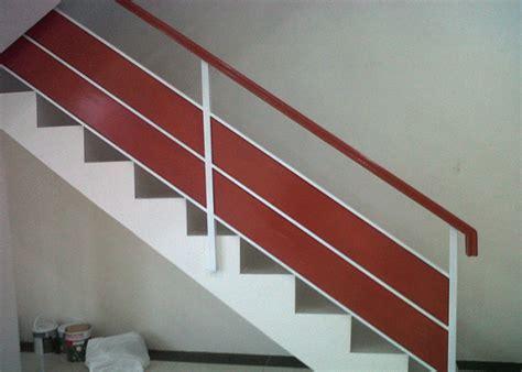 model railing tangga  balkon rumah idaman