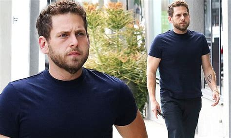 jonah hill continues  show  slimmed  shape