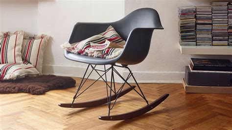 eames chair schaukelstuhl vitra eames plastic armchair rar