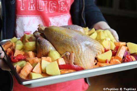 cuisiner le chapon au four pintade au four et pommes de terre rôties