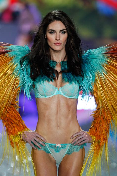 Hope Hicks Was Dead Ringer For Hot And Sexy Swimwear Model Hilary Rhoda