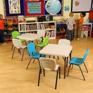 Table 4 Personnes : table enfant pliante carr e 61cm 2 4 personnes table ~ Melissatoandfro.com Idées de Décoration
