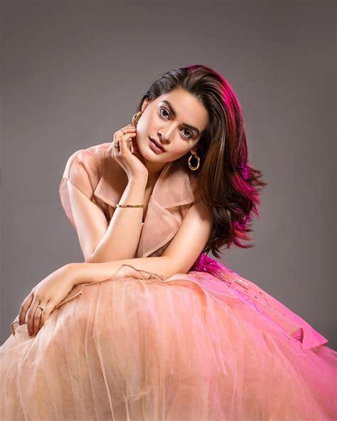 Latest Beautiful Clicks of Minal Khan   Pakistani Drama ...