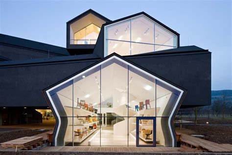 18 Puzzling Buildings With Architectural Designs