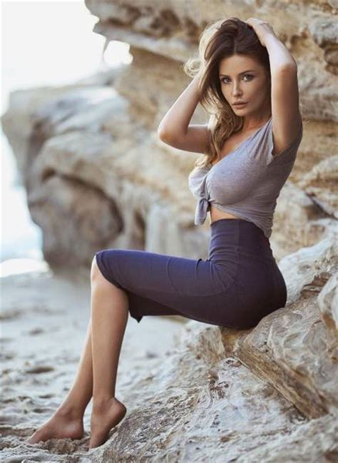 Tight Dresses Hug Sexy Women In All The Right Places Pics