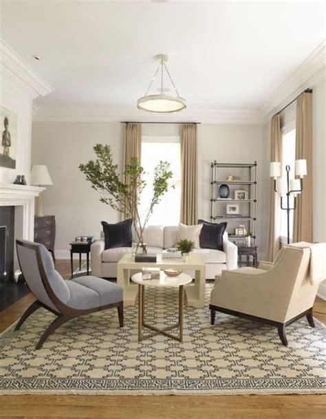 Wohnzimmer Modern Beige by Light Beige Walls White Trim Blue Accents Living Room