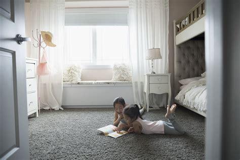 Flooring Ideas For Bedrooms by Inexpensive Bedroom Flooring Ideas