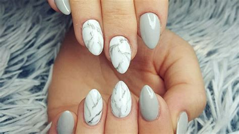 28 Stunning Almond Shape Nail Design Ideas