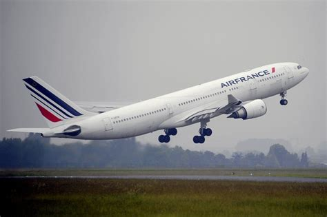 airbus says to upgrade its a330 range jet wsj