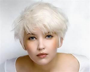 Couleur Ou Meche Pour Cacher Cheveux Blancs : coupe courte cheveux gris ~ Melissatoandfro.com Idées de Décoration