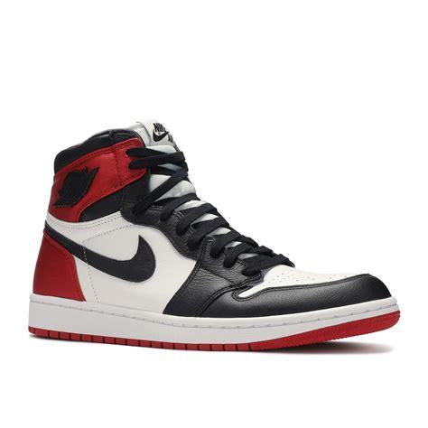 """Nike modellerini size özel fırsatlarla online olarak hemen satın alın! Nike WMNS Air Jordan 1 Retro High """"Satin Black Toe"""" - My ..."""