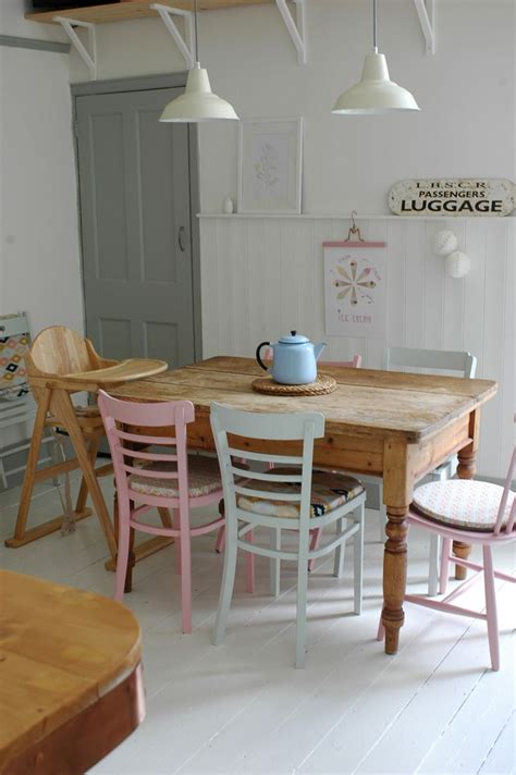 dining areas  wooden chairs messagenote
