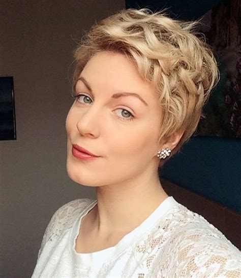 Pixie Hairstyles For Hair by 30 Standout Curly And Wavy Pixie Cuts