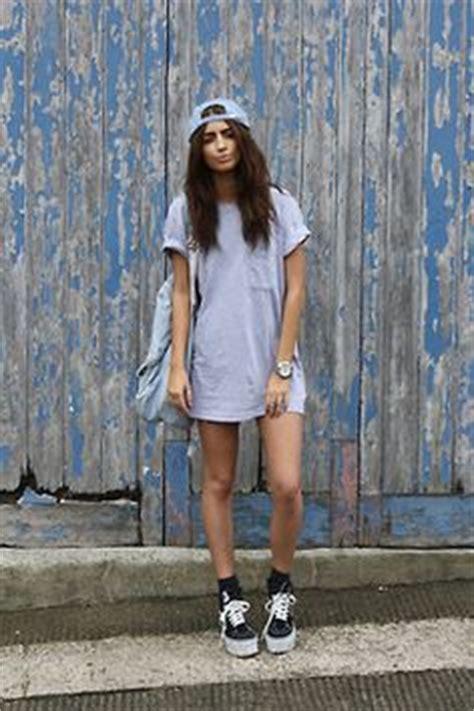 1000+ images about Girls wearing streetwear on Pinterest   Streetwear Snapback and Jordans