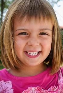 Coupe De Cheveux Fillette : coiffure enfant fille ~ Melissatoandfro.com Idées de Décoration