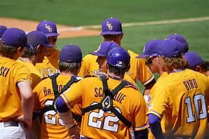 LSU Baseball Huddle Editorial Photography - Image: 53954792
