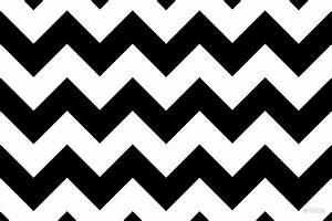 """Zigzag Pattern, Chevron Pattern - White Black"" by sitnica"