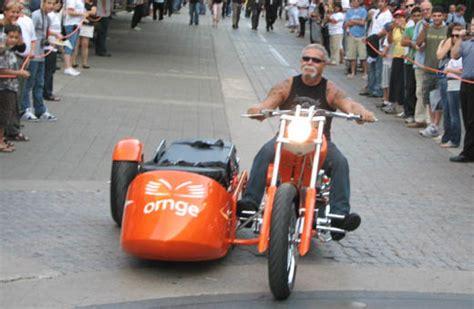 Chopper causes political controversy - Canada Moto Guide