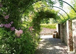 Moderne Gärten Bilder : gartenpark appeltern themengarten clematis laubengang ~ Eleganceandgraceweddings.com Haus und Dekorationen