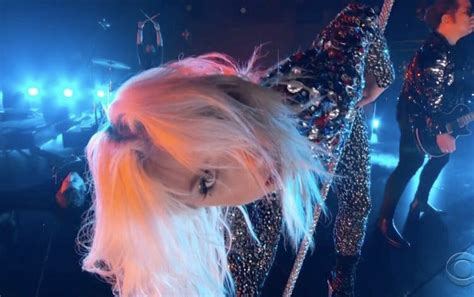 """Lady Gaga Rocks Her Performance Of """"shallow"""" At The Grammys Breatheheavycom"""