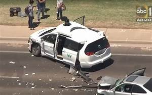 Voiture Autonome Google : google waymo d voile la vid o d 39 un accident de sa voiture autonome ~ Maxctalentgroup.com Avis de Voitures
