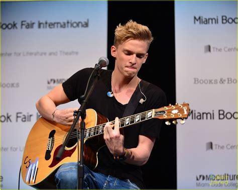 Cody Simpson Miami Concert Book Signing Photo 611055