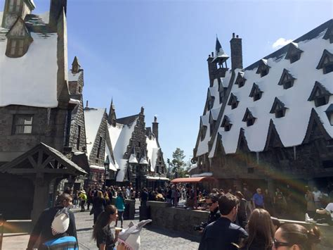a look inside the wizarding world of harry potter at universal studios this