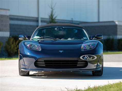 Modern Classics: Tesla Roadster