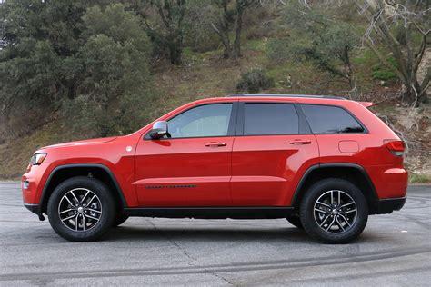 jeep grand cherokee trailhawk off road 2017 jeep grand cherokee trailhawk review digital trends