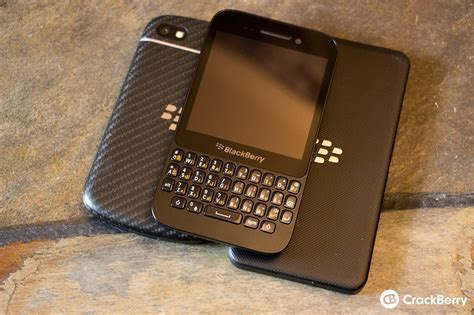 leaked os 10 1 0 4633 for the blackberry z10 q10 and q5
